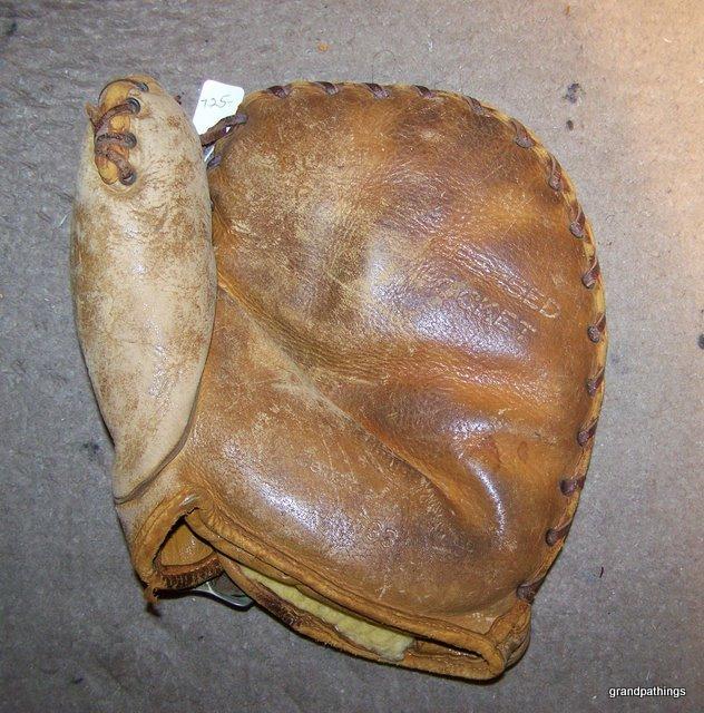 Phil Cavarretta, Horsehide baseball glove Antique