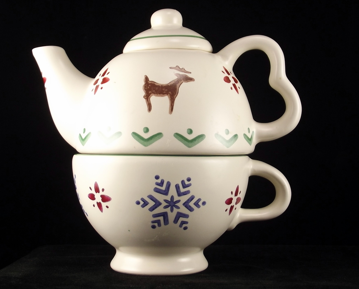 Pfaltzgraff Nordic Christmas personal tea for one set reindeer snowflake