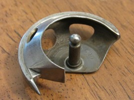 Singer 15-91 rotary bobbin hook mpn # 126292 - $7.93