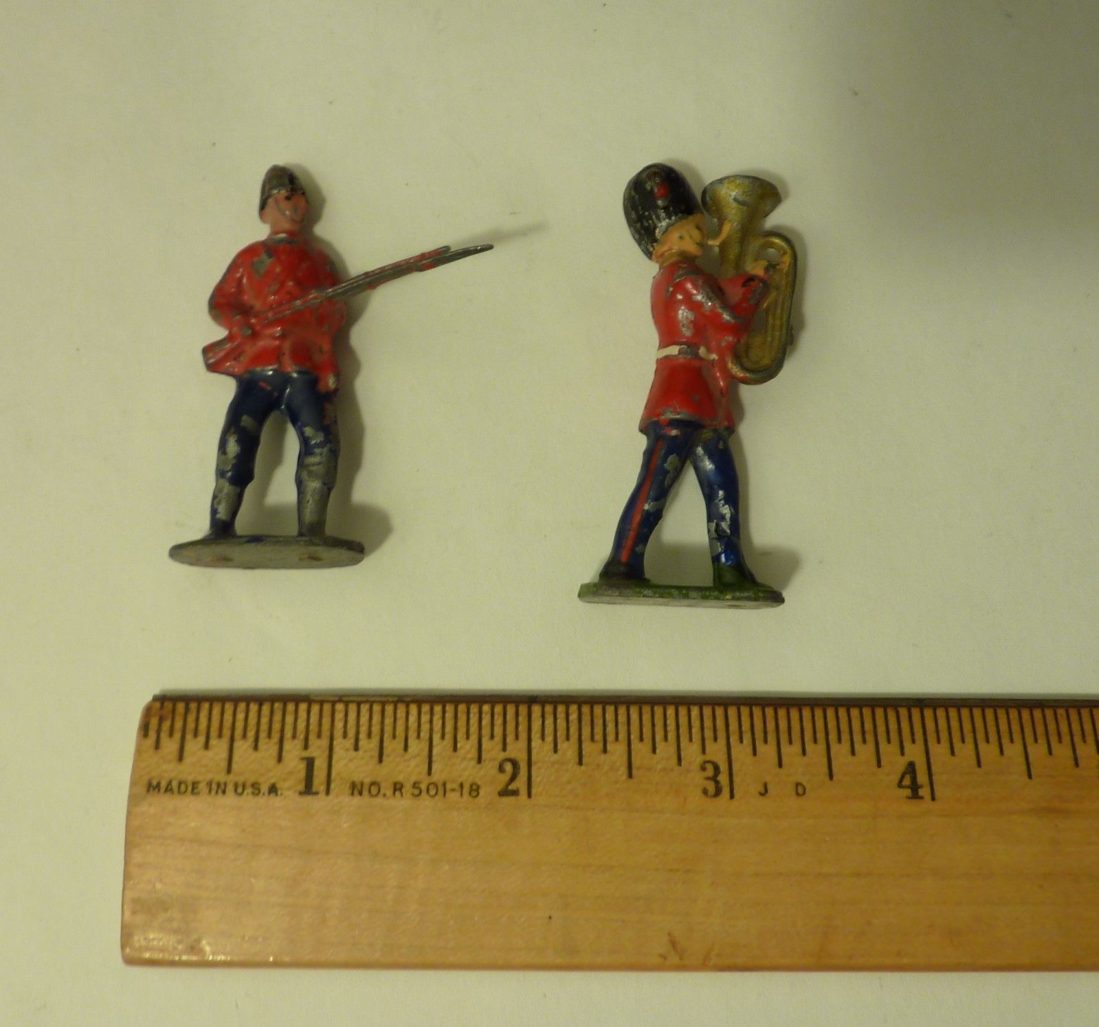 England Soldier Coldstream British Guards with Musket and Euphonium Toy Set