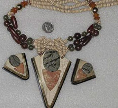 Vtg Arrowhead Necklace Pendant Earrings Wood Ag... - $69.95