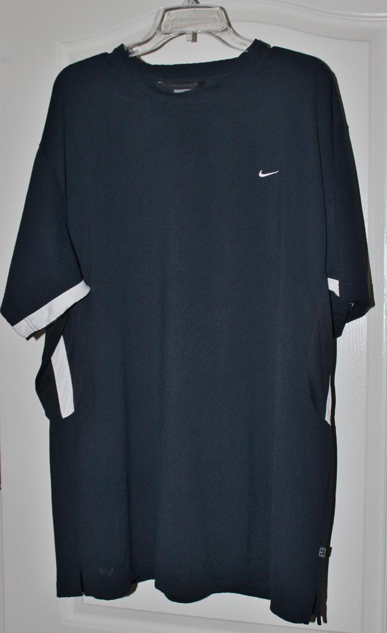 Nike Men's Athletic Shirt Size 2 X Large