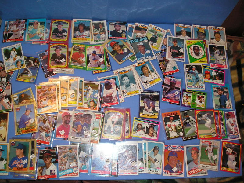 543 Baseball Cards 1970's-80's mostly Stars In Sleeves
