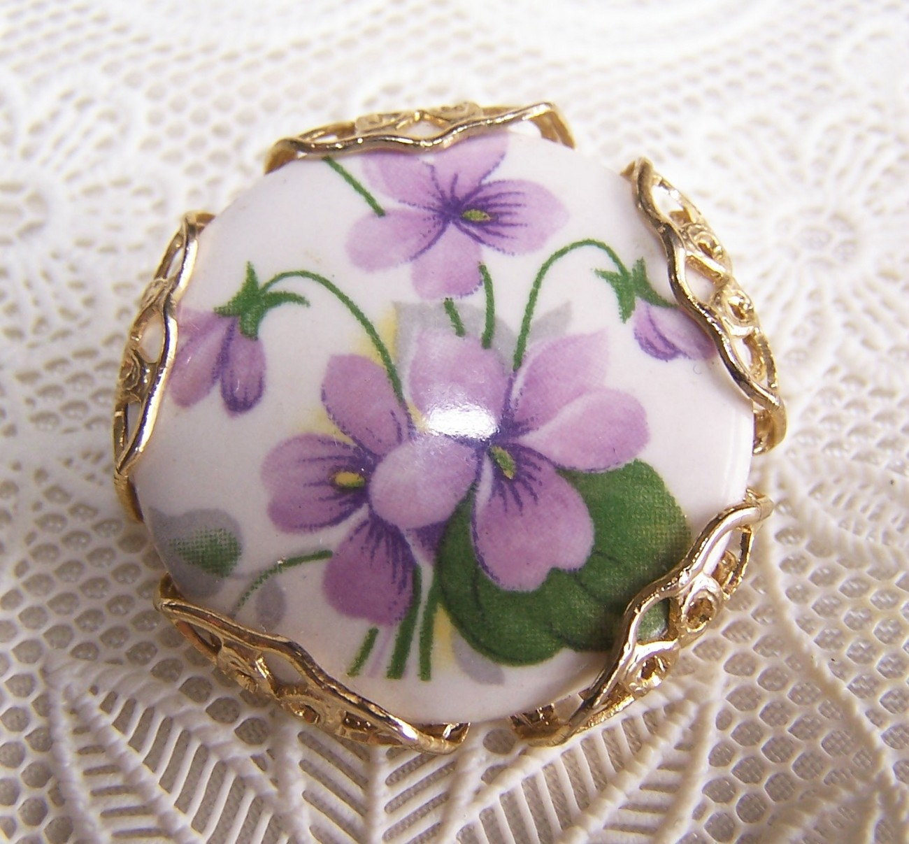 Vintage Violets on Porcelain Pin
