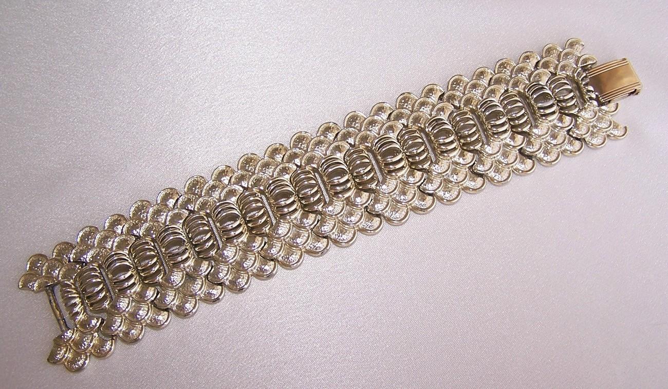 Vintage Chunky Coro Designer Bracelet Signed