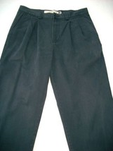 Men Gap Khaki Navy Pants Pleated Front 34 W X 32 Inseam - $15.80