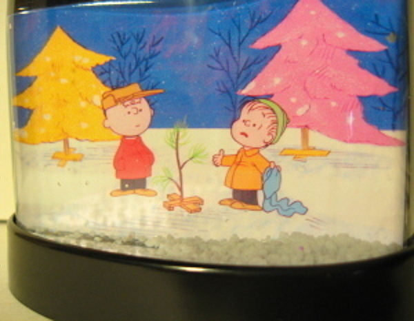 Primary image for CHARLIE BROWN SNOW GLOBE LINUS CHRISTMAS TREE PEANUTS CBS TV SPECIAL LITTLE TREE