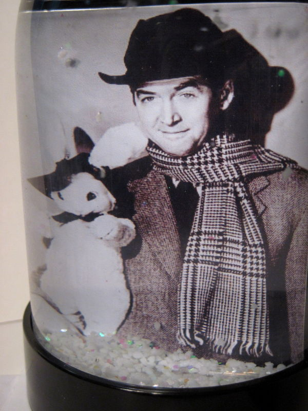 HARVEY SNOW GLOBE ELWOOD P. DOWD JIMMY STEWART CHRISTMAS SCARF & RABBIT POOKA