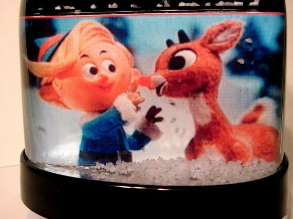 Rudolph the Red-Nosed Reindeer and Hermey Snow Globe Snowglobe Christmas Special