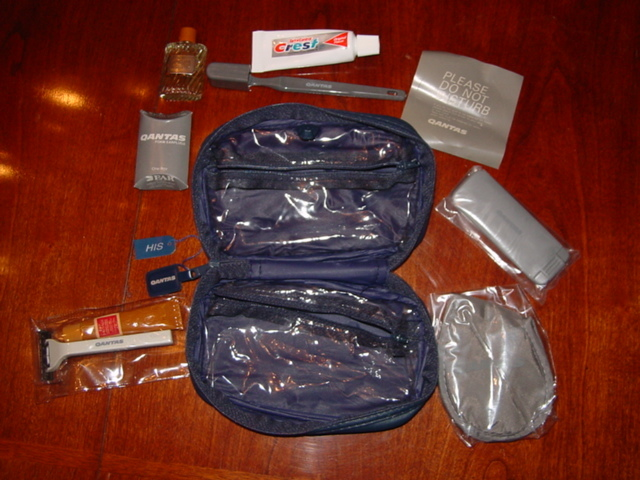 QUANTAS AIRLINES HIS AND HERS AMENITY PACKS