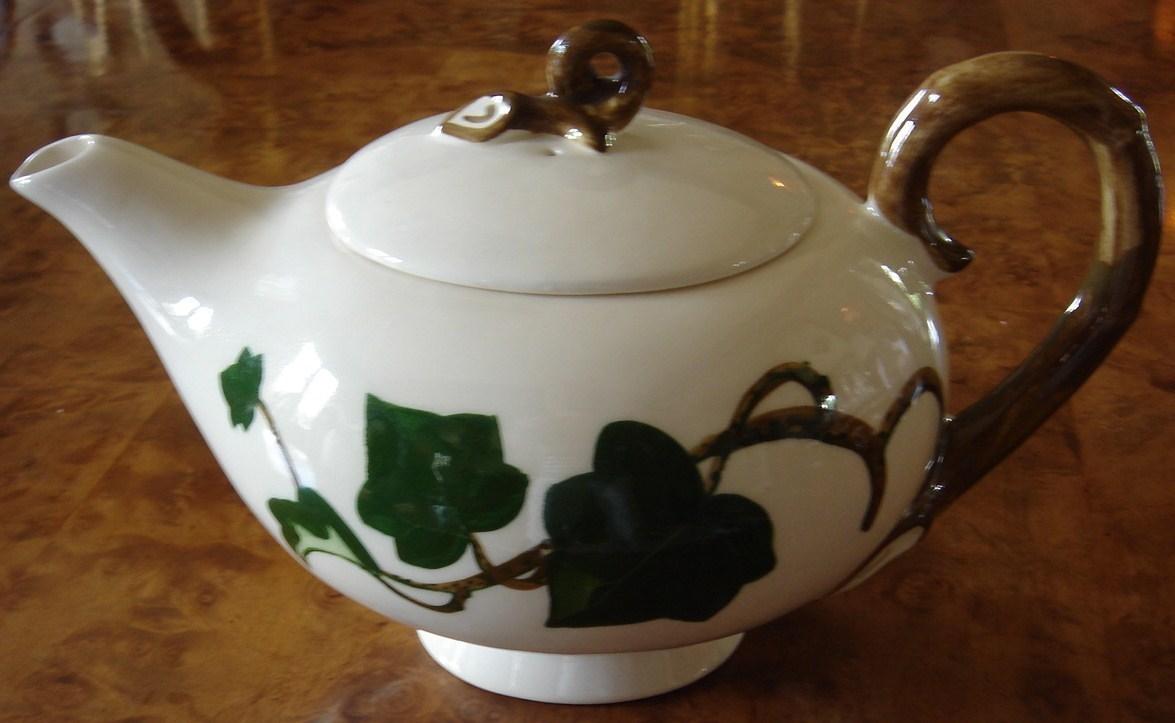 Poppytrail teapot ivy 1