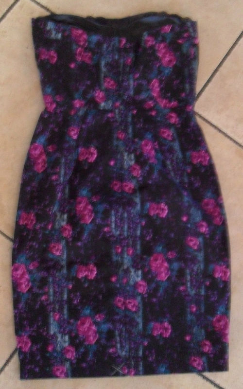 NWT BETSEY JOHNSON Floral Purple Pencil Dress Size 6 NEW (MAKE AN OFFER)