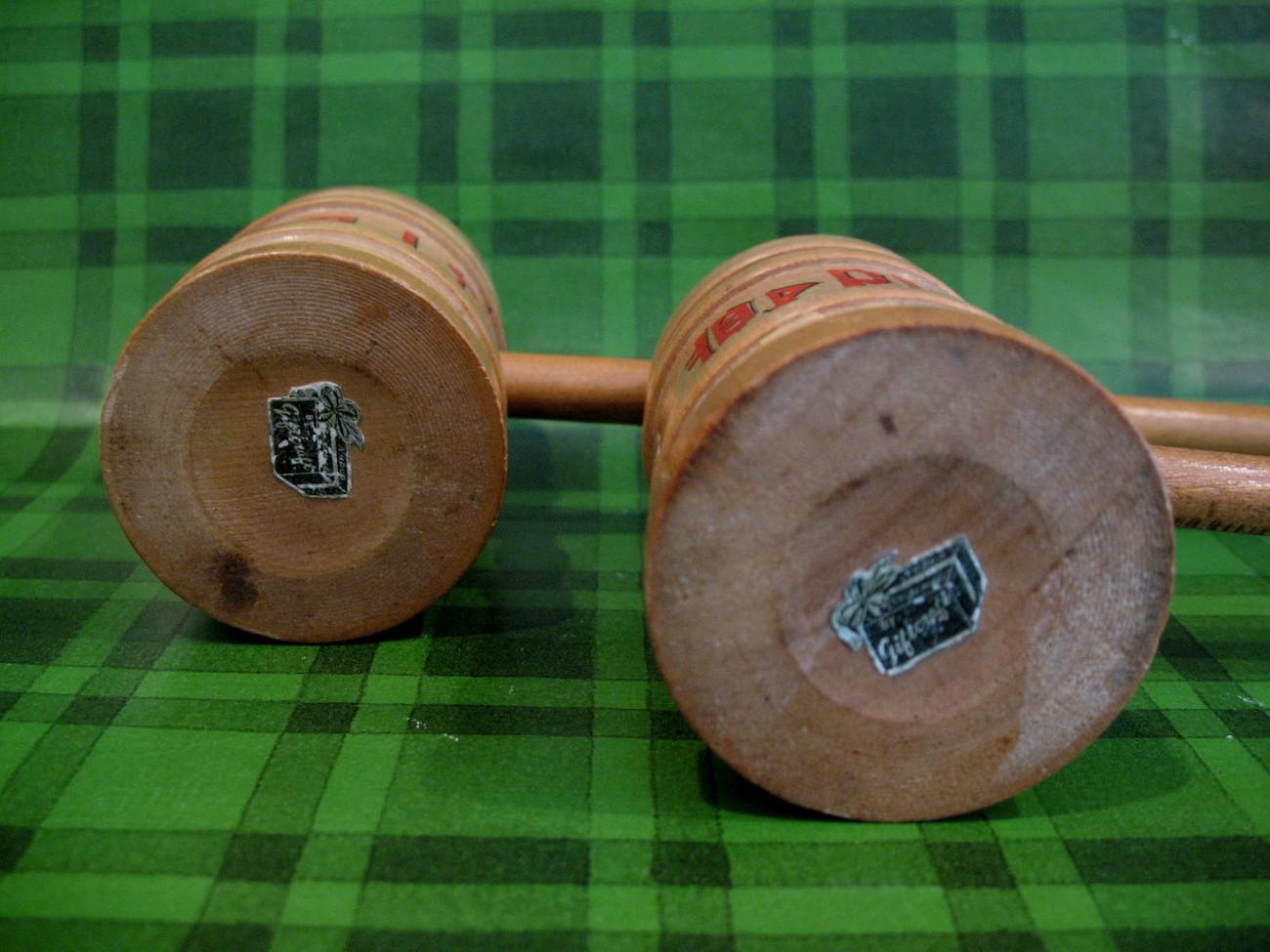 Wooden Mallets Salt Pepper Shakers Set Vintage Souvenir Country Kitchen Napco