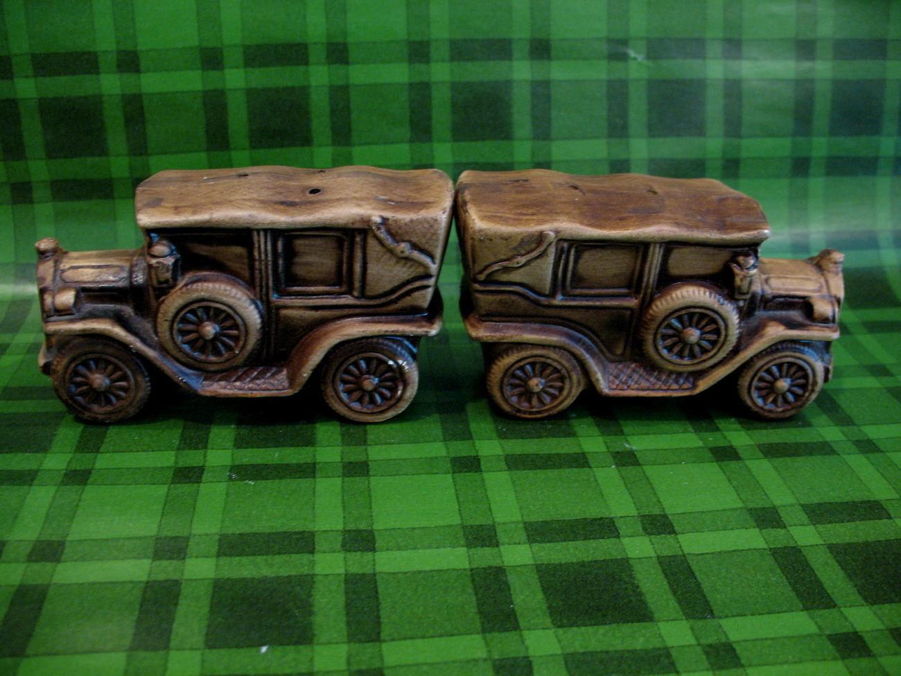 Antique Cars Salt and Pepper Shakers Set Vintage Souvenir Collector Retro