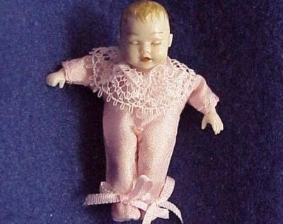 Dollhouse Baby Dressed Heidi Ott HOXB054 sleeping pink slk 1:12 NEW