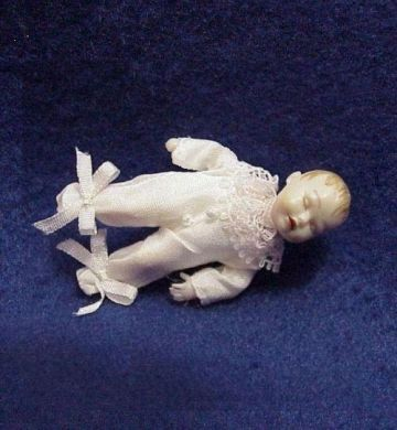 Dollhouse Baby Dressed Heidi Ott HOXB053 sleeping  white silk Miniature gemjane