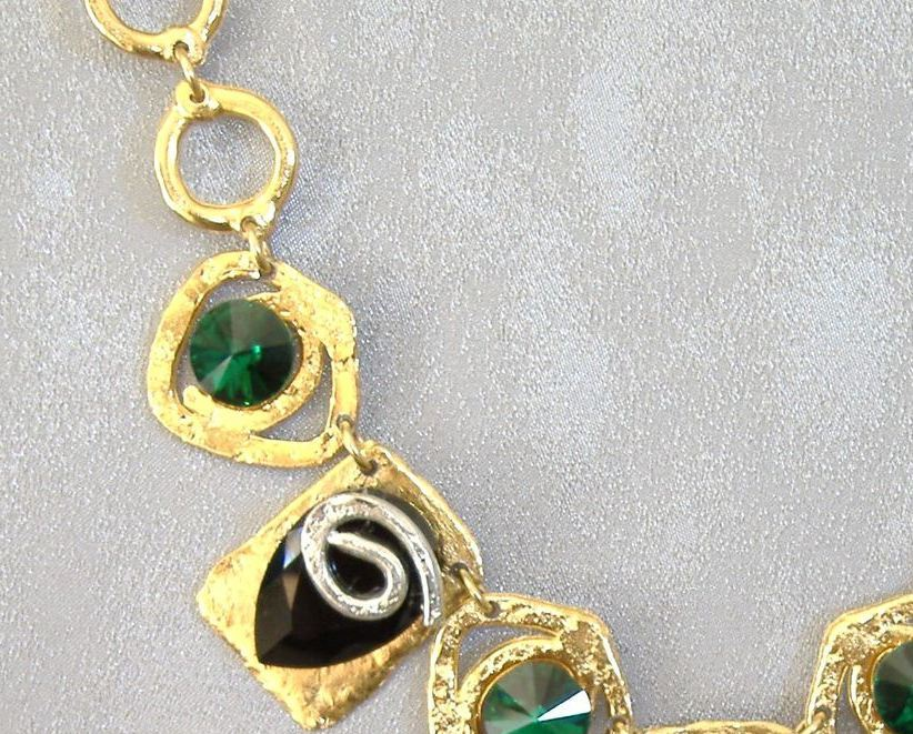 Chunky Emerald Green Black Crystal Necklace Unique Gold Silver
