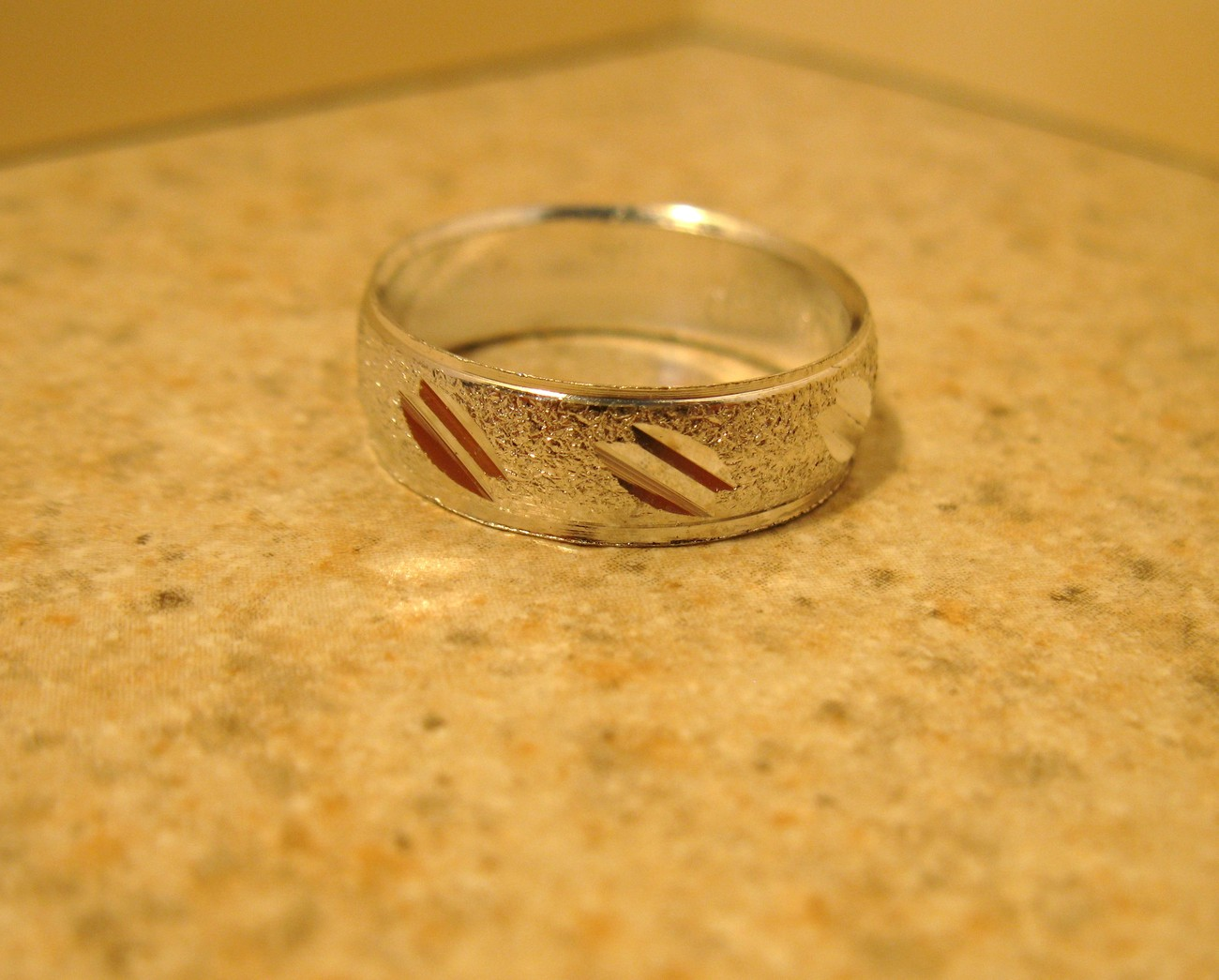 RING MEN WOMEN UNISEX SILVER PLATED BAND SIZE 7.5 #982