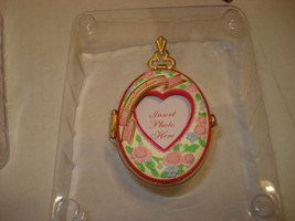 Christmas Ornament Grandmother Locket/Photo Holder  Carlton Cards New in... - $9.41