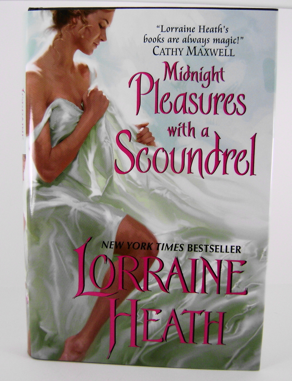 Midnight Pleasures With A Scoundrel Lorraine Heath HC