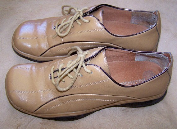 Primary image for BARELY WORN ENZO ANGIOLINI BEIGE TAN KIDSKIN WALKING DRESS SHOES 7 M