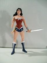 NWOB DC COMICS ESSENTIALS WONDER WOMAN ACTION FIGURE NEW LOOSE DC COLLEC... - $14.16