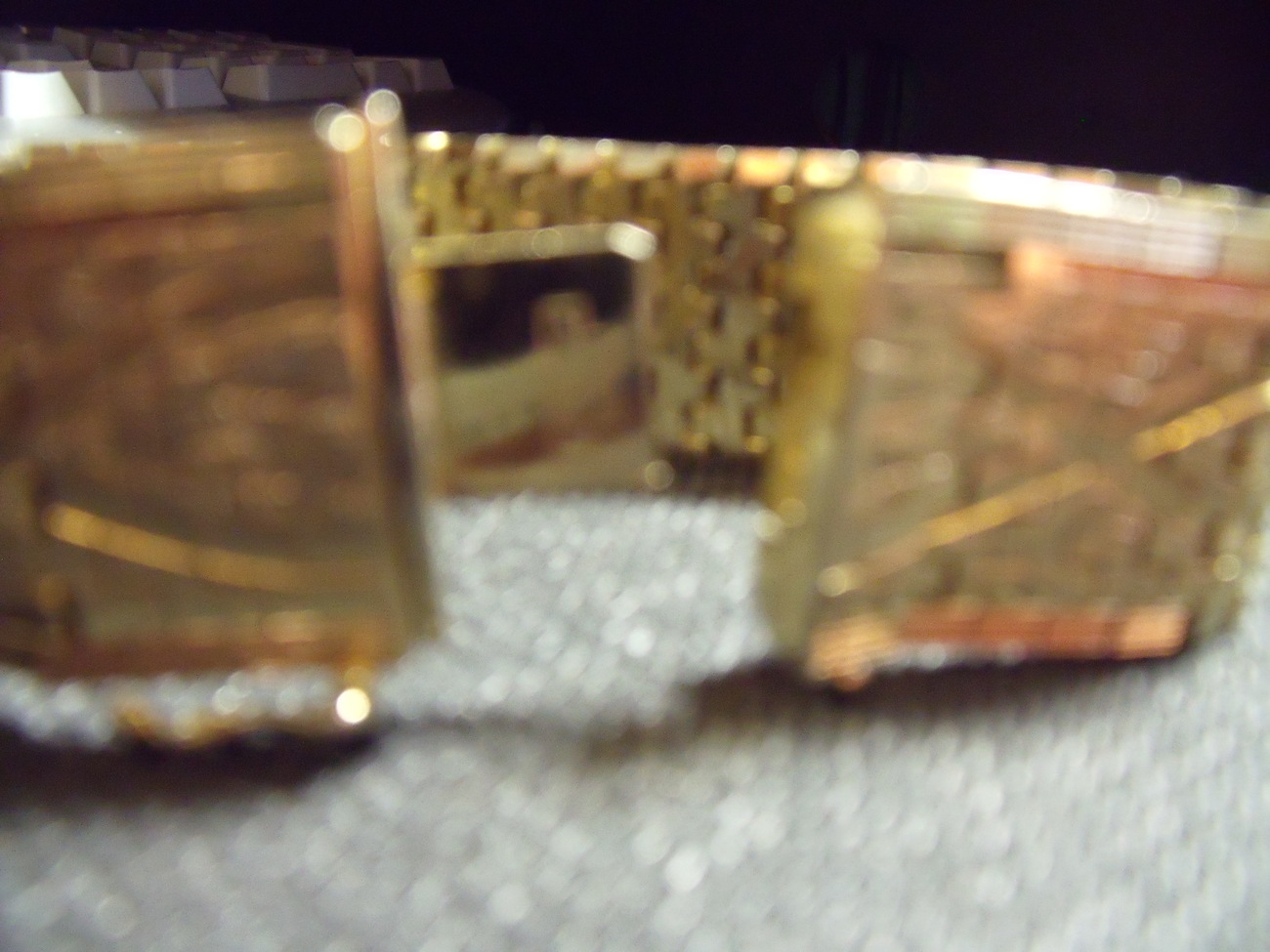 Vintage Bold 18K Plated Golden Flexible Bangle