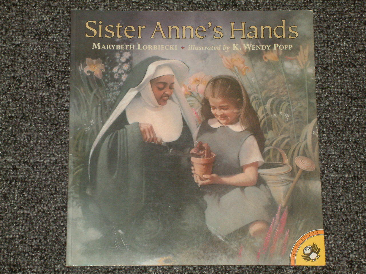 Primary image for Sister Anne's Hands by Marybeth Lorbiecki
