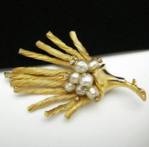 Vintage HAR Brooch Pin Rhinestone & Faux Pearls GT Sea Coral - $89.99