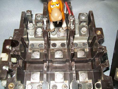 Cutler Hammer C32KN3 Series B1 120V Starter