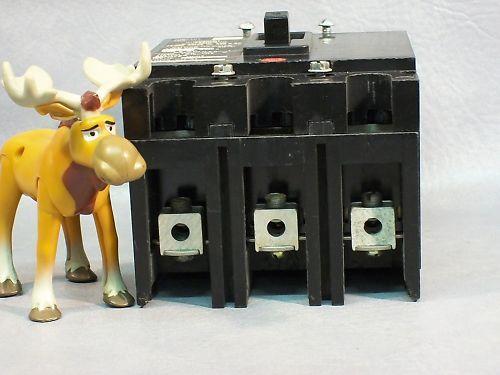 Cutler-Hammer Circuit Breaker EHC3015 480V 15A 3Poles