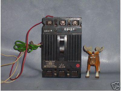 GE Circuit Breaker 30 AMP TEC36030 w/ Auxiliary Shunt