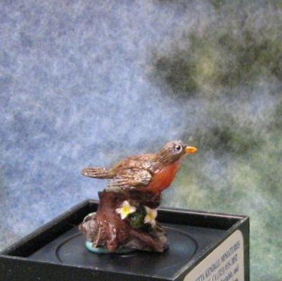 Jeannetta kendall bird figurine jc09 robin 1 gemjanes dollhouse miniatures 1 lg thumb