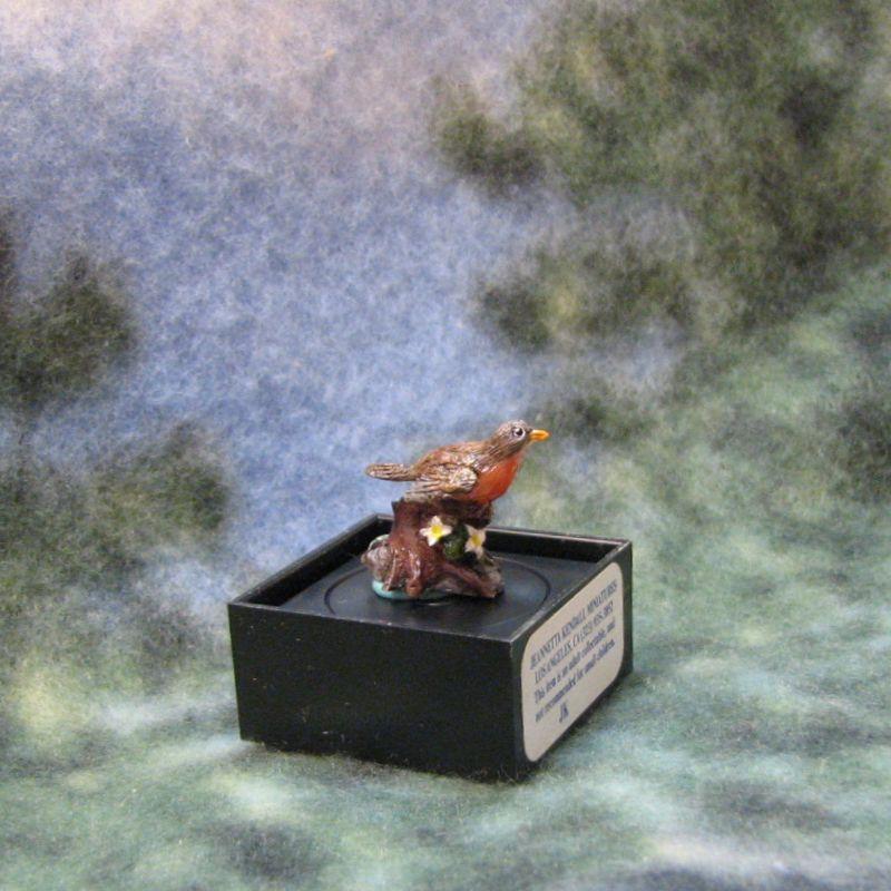 Dollhouse Robin Figurine Dale Jeannetta Kendall perching 1:12 jc09 Miniature