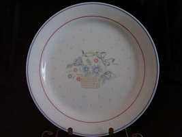 Corelle Country Cornflower Dinner Plate Basket Blue Pink Flo - $3.00
