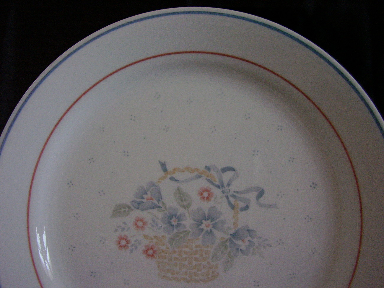 Corelle Country Cornflower Dinner Plate Basket Blue Pink Flo