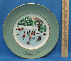 Vintage 1975 Enoch Wedgwood Collectors Plate Avon Christmas Skaters On The Pond - $6.92