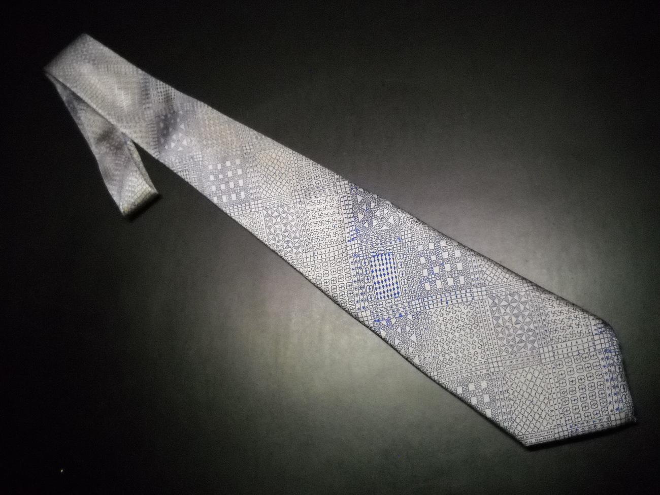 Tie smithsonian blue grey narrow 01