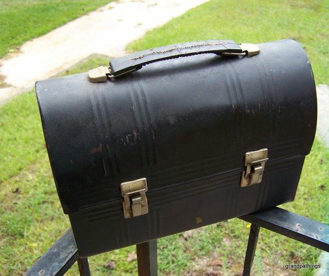 Black aladdin dome lunch box 003