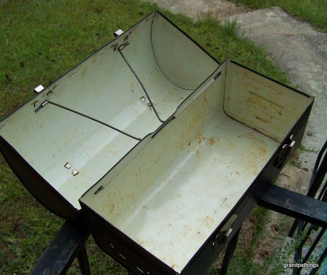 Vintage Black Aladdin Dome Lunch Box