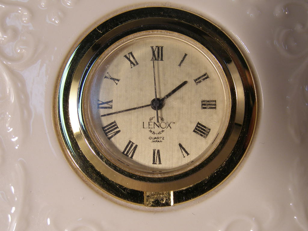 Lenox China Gift Ware Quartz Clock (sku# 1640)
