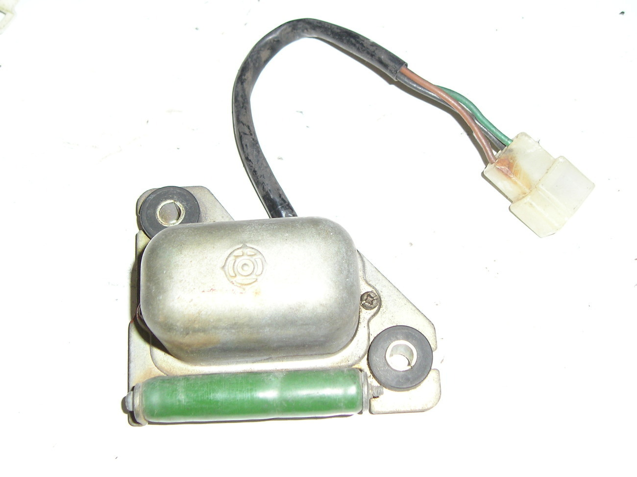 electrical piece (igniter?) TL124 12v