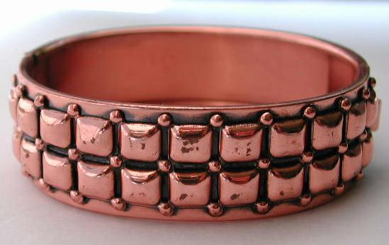 VINTAGE RENOIR Copper Hinged BANGLE Bracelet