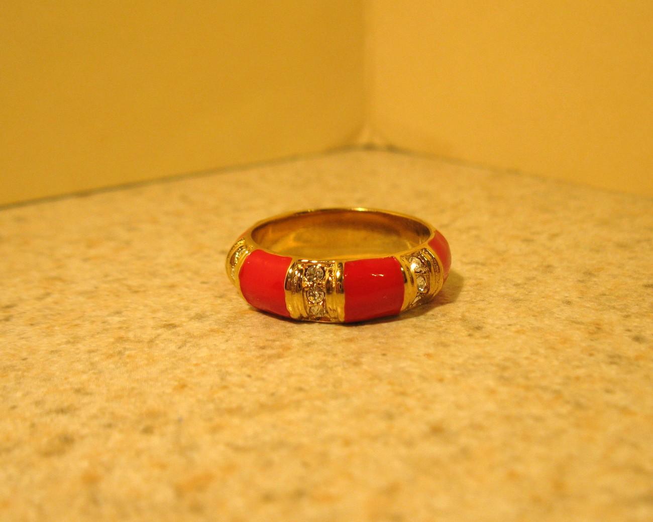 274 red enamel ring