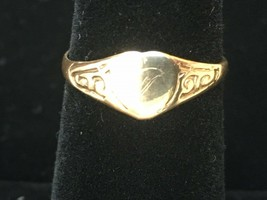 Fancy Engraved Heart Signet Ring Yellow Gold 9k UK Size P Hallmarked 0.... - $50.31