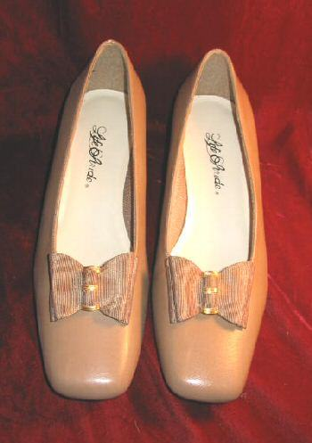 New Life Stride Square Toe Heels Pumps Shoes 9.5