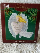 Carlton Cards Heirloom Aunt Ornament 2003 - $12.60