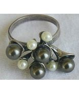 Brown and white grapes ring - $24.00