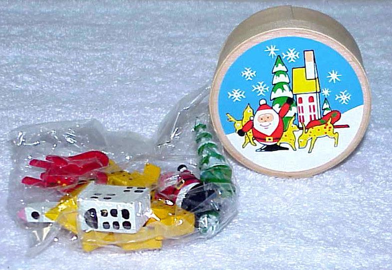 Vintage Santa & Reindeer Scene Tiny Wood Set IOB - NOS - $7.99