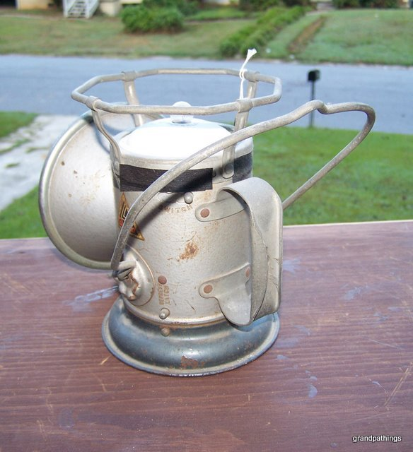 ANTIQUE DELTA RAILROAD LANTERN!!